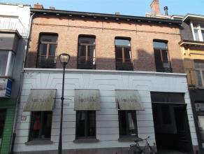 Gezellig 1-slaapkamer appartement vlakbij de Grote Markt van Turnhout. Het appartement is gelegen op de eerste verdieping. Hal/vestiaire geeft rechtst