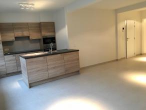 Nous vous proposons une belle, entièrement rénové appartement rez de chaussée à Strombeek.<br /> L'appartement est