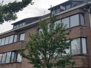 Ruim appartement op de 1 ste verdieping met 2 slaapkamers en een volledig vernieuwde keuken in het hartje van het bruisende Oud-Turnhout op wandelafst