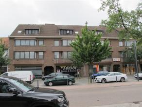 Tof appartementje in het hartje Oud-Turnhout met twee kleinere slaapkamers.<br /> vernieuwde badkamer en heeft een bad en lavabo.<br /> Geen gemeensch