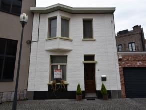 Zeer tof ingerichte woning aan de Heilig Hartkerk van Turnhout. Enorm rustig gelegen en u heeft tegelijkertijd een volledig privaat tuintje op het Zui