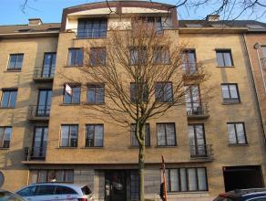 Zeer mooi ruim instapklaar appartement met 3 slaapkamers<br /> Het appartement is gelegen op de 2e verdieping, er is een lift aanwezig.  Vlakbij openb
