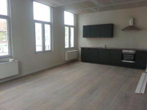 Nieuw appartement, bestaande uit;<br /> trap, mooie lichte living op planchévloer, volledig ingericht nieuwe open keuken met alle toestellen aa