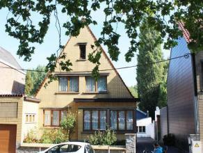 superbe maison très bien entretenue comprenant :hall, living, cuis éq, buand, bureau, sdb,wc, garage, 3 grandes ch, sdb à l'&eacu