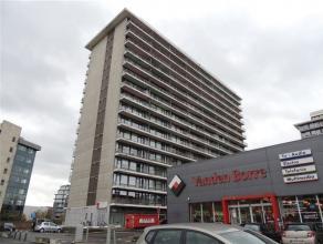 Ruim 2 slpk-appartement met terrassen nabij Watersportbaan.Het appartement is gelegen op de 5e verdieping van een gebouw met 17 bouwlagen.Veel lichtin