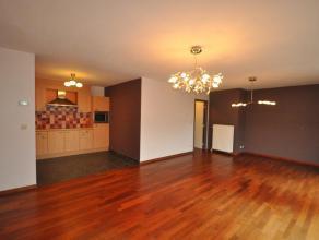 De Huisleverancier heeft voor u een tof appartement geselecteerd op de tweede verdieping, op een erg bereikbaar gelegen locatie.  Het gebouw ligt vlak