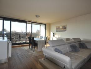 Het appartement (2de verdieping, trap) heeft een top bereikbaarheid, centrum van Kontich (winkelstraat). Dichtbij scholen, bakkers, beenhouwers, apoth
