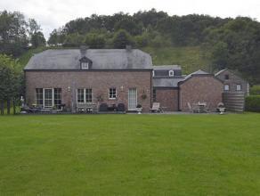 Magnifique Villa de construction récente de +/- 250 m² (+/-10 ans) logée sur 18 ares.Localisation : bonne situation dans un quartie