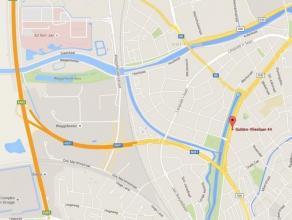 Autostaanplaats in Brugge, zeer goed gelegen. Dichtbij uitvalsweg naar de expresweg, op wandelafstand van het stadscentrum van Brugge en dicht bij het