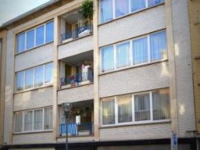 Situé dans un quartier agréable à proximité de l'avenue du Château, bel appartement rénové de 95m&sup2