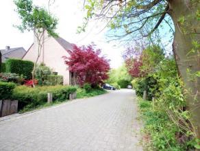 UCCLE / LYCEE FRANCAIS : Calme & verdure, près du lycée Français. Jolie maison 3 façades de 170m² habitables situ