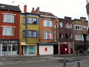 Mooi onderhouden, instapklare handelszaak met magazijn van 126 m2. Dit pand heeft een vlot bereikbare ligging, vlakbij het centrum van Gent. Via een a