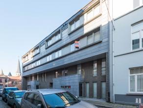 AANRADER!!! Leuk appartement op toplocatie in centrum-Gent. Van hieruit bereikt u diverse winkels, eetgelegenheden, openbaar vervoer en scholen op wan