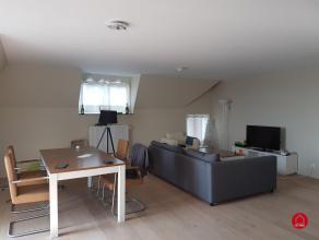 Prachtig appartement in de karaktervolle residentie Barcadere. Appartement is afgewerkt met hoogwaardige materialen en heeft volgende indeling: ruime