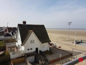 Vlakbij het strand verhuren wij een appartement met prachtig uitzicht op het strand, golf en het hinterland. Het appartement omvat: inkomhal, gastento