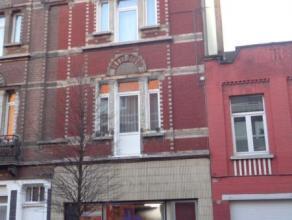 Koekelberg (Réf 672) : Century 21 Action vous propose, un Duplex comprenant  : Au  premier étage : un hall d'entrée, un living av