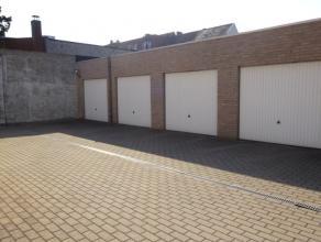 Privatieve garagebox Centraal gelegen garagebox, voorzien van geautomatiseerde poort. Huurprijs te vermeerderen met jaarlijkse afrekening gemeenschapp