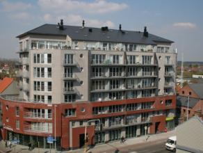 Appartement met 2 slaapkamers bestaande uit inkomhal, ruime leefruimte, open ingerichte keuken, berging met aansluiting wasmachine, 2 slaapkamers, apa