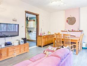 Dans une rue calme, à 500m du centre de Wavre, vous trouverez cette charmante maison 2 chambres rénovée entièrement dans l