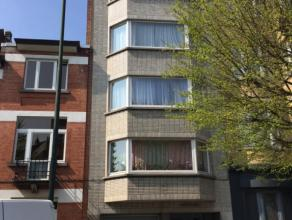 OPTION      Non loin des transports en commun et de toutes les facilités, maison de rapport composée de 4 appartements une chambre. Le r