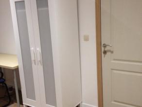 Chambre dans une maison rue chet CharleroiUne nouvelle chambre pour étudiants (es) ou stagiaires dans une maison rénovée situ&eac