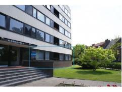 Ruim 2 slaapkamer appartement van 100 m² op wandelafstand van het station en de binnenstad. Met een open haard, ruime vertrekken, balkon, groene