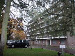 FLERON - Dans une rue verte et résidentiel à deux pas des commerces!Appartement de 115M² dans un immeuble bien habité. 4&egr