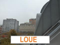 HYPER CENTRE! APPARTEMENT SOUS TOIT EN ZINC COMME A PARIS!Splendide appartement de 80M² dans une résidence de standing. 1 chambre à