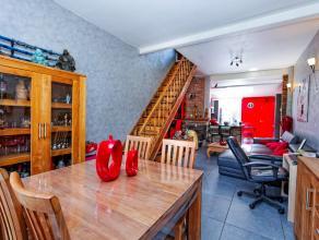 Dans une ville renaissante, maison entièrement rénovée en 2013 avec un grand living, une cuisine équipée, une salle