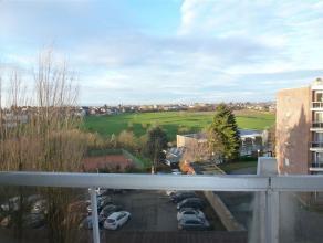 FLERON, Dans une rue calme, dans un immeuble entouré d'un jardin, appartement de +/-100M² + une belle terrasse de 17M² au quatri&egra