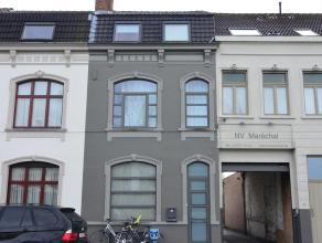 Deze instapklare woning ligt op een steenworp van Brugge centrum, langsheen de Damse Vaart en heeft een aantal troeven waaronder 3 volwaardige slaapka