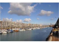 ondergrondse, afgesloten parkeerplaats te koop in Residentie Harbour View, gelegen op de rederskaai in Zeebrugge. gelegen net aan de vernieuwde jacht