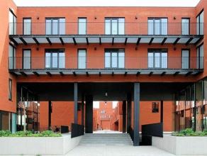 Perfect instapklaar appartement met één slaapkamer en zuidgericht terras. Gelegen op de 3de verdieping in de stadsrand. Bouwjaar 2009 -