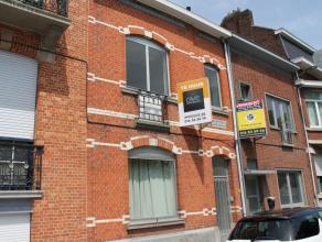 Duplex appartement met twee slaapkamers gelegen aan de stadsrand van Tienen. De huurprijs bedraagt 550 euro per maand, alle vebruik is individueel. In