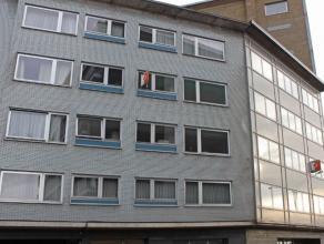 """Mooi, ruim en comfortabel appartement te Aalst. Zeer gunstig gelegen aan het rond punt """"Den Haring"""" het kruispunt van belangrijke wegen en de op- en a"""