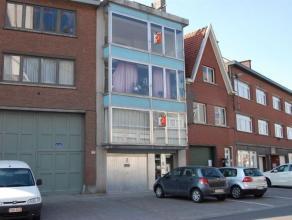 Centraal gelegen appartement te Aalst op 250m van de grote markt. Dit appartement gelegen op 3de verdieping omvat: inkom, living, keuken, badkamer, 1