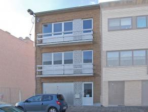 Prachtig volledig vernieuwd appartement te Aalst, bestaande uit: leefruimte, volledig ingerichte keuken, 1 slaapkamer en badkamer. Er is een gemeensch