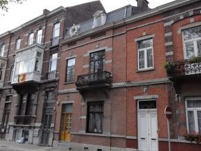 Mons - Centre ville - Nous vous proposons cette agréable unifamiliale en excellent état. Ses 4 chambres, ses agréables piè