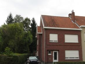 Goed gelegen te renoveren woning te Wespelaar. Woning met twee slaapkamers, badkamer met bad, geïnstalleerde keuken. Achteraan de woning bevind