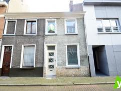 Volledig gerenoveerde woning in een landelijke stijl !Samenstelling: Bureau, geïnstaleerde keuken met berging, zonnige woonkamer uitgevend op een
