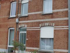 Te renoveren rijwoning/op te frissen woning op 140m², met bijhorende terras. Deze te renoveren gezellige woning is een ideale investering voor e