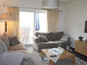 Deze TOTAAL GERENOVEERDE eigendom is gelegen in het centrum van Roeselare.  De woning omvat een inkom, gastentoilet, gezellige leefruimte, nieuwe ke