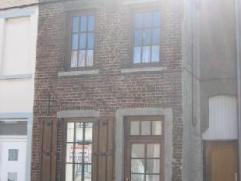 Bonne maison 4 chambres de 100 m² habitables -  terrain de 1 are - Sous-sol: 1 cave (12 m²) - Rez: salon/SAM (28 m²), cuisine (13 m&sup