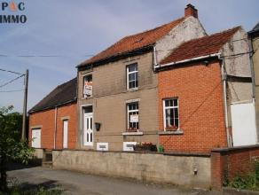 Maison de 135m² sur 11 ares avec 2/4 chambres - Sous-sol: 1 cave (12 m²) - Rez: hall (2m²), SAM (20m²), cuisine (14m²), chauf