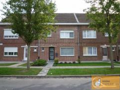 Cette maison extrêmement bien entretenue se situe le long d'une rue d'habitation agréable près du centre-ville de Ninove, à