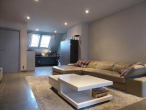 """Duplex-appartement in het centrum van Aalst gelegen in de Residentie """"De Mouterij"""". Gelegen op de 4de verdieping van het gebouw en omvattende een inko"""