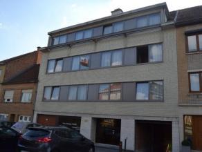 Gezellig appartement op de tweede verdieping van een klein gebouw, bestaande uit een ruime living,keuken volledig ingericht (microgolf, oven, vaatwas,