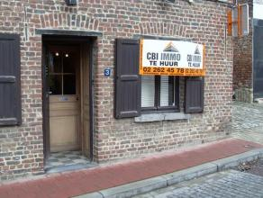 Karaktervol kantoor/handelsruimte van +/- 40 m in het centrum van Meise met authentieke vloer en plafonds. Ideaal voor boetiek, vrij beroep of kantoor
