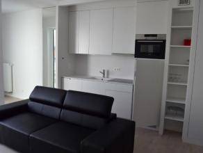 Appartement luxueux situé autroisième étage dun petit immeuble avec ascenseur. Lappartement se compose dun hall dentr&eacut