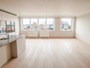 Volledige gerenoveerde penthouse op een top-locatie in centrum Leuven op de 6e verdieping. Er is aan beide kanten een prachtig zicht aanwezig. Het app